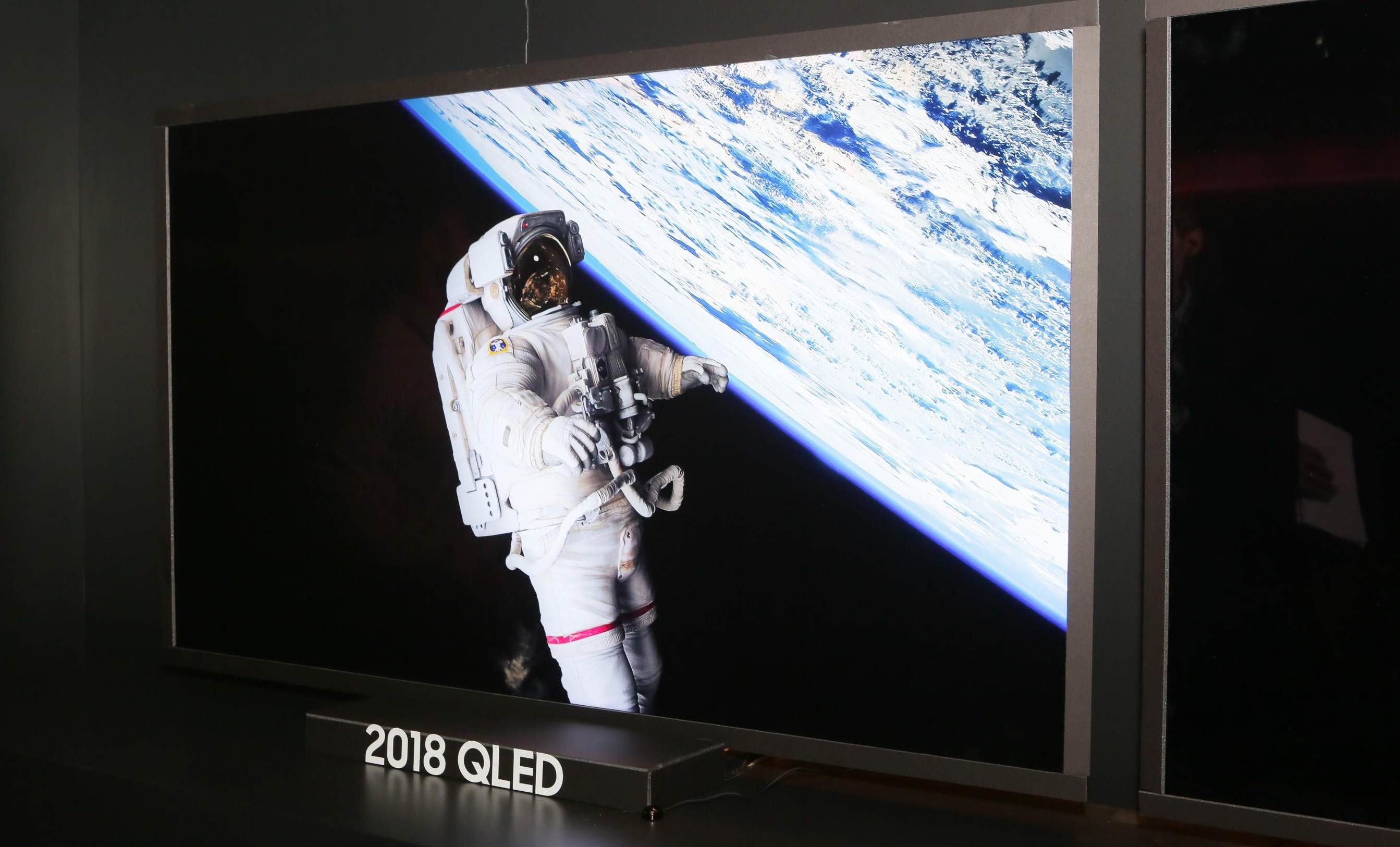 Samsung Reveals Full 2018 QLED TV Lineup | AllGamers