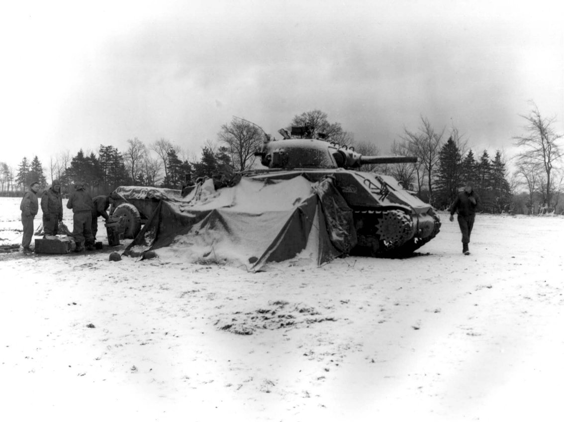 3 Ways Soldiers Got Into the Holiday Spirit During Wartime | AllGamers
